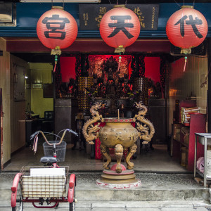 Small street side temple